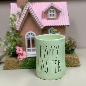 """RAE DUNN """"Happy Easter"""" Candle"""